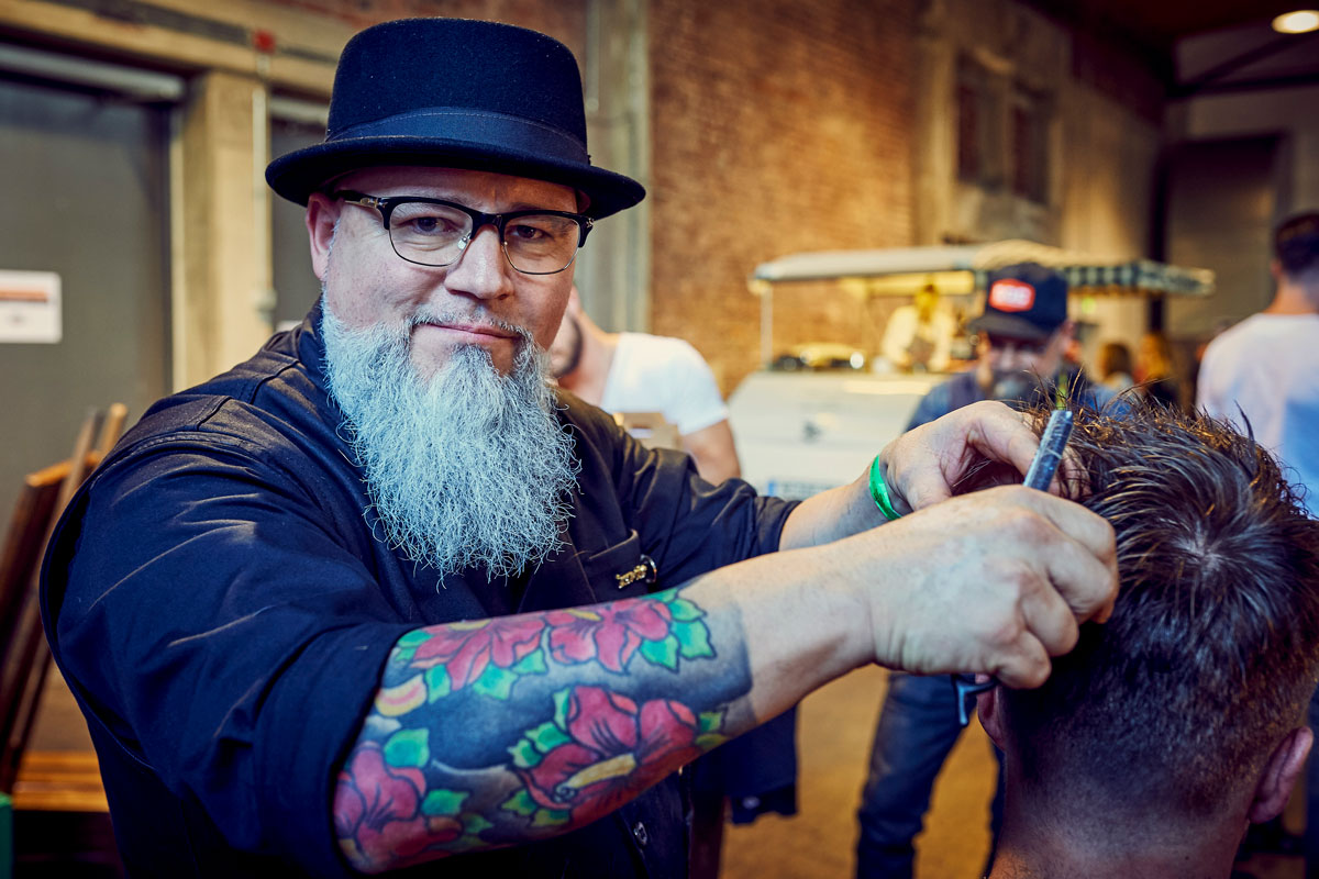 pict_event_rock-n-razor_barber_convention_2017_057