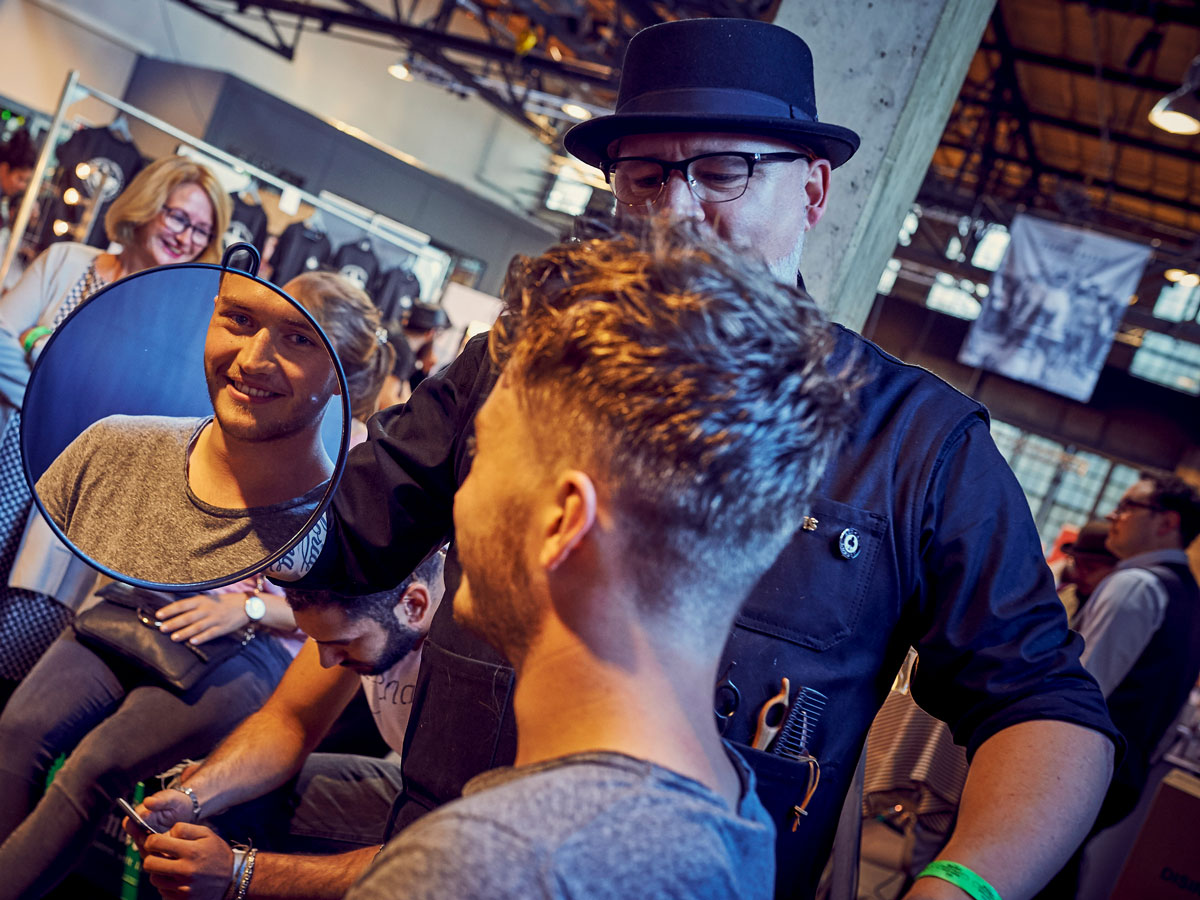pict_event_rock-n-razor_barber_convention_2017_060