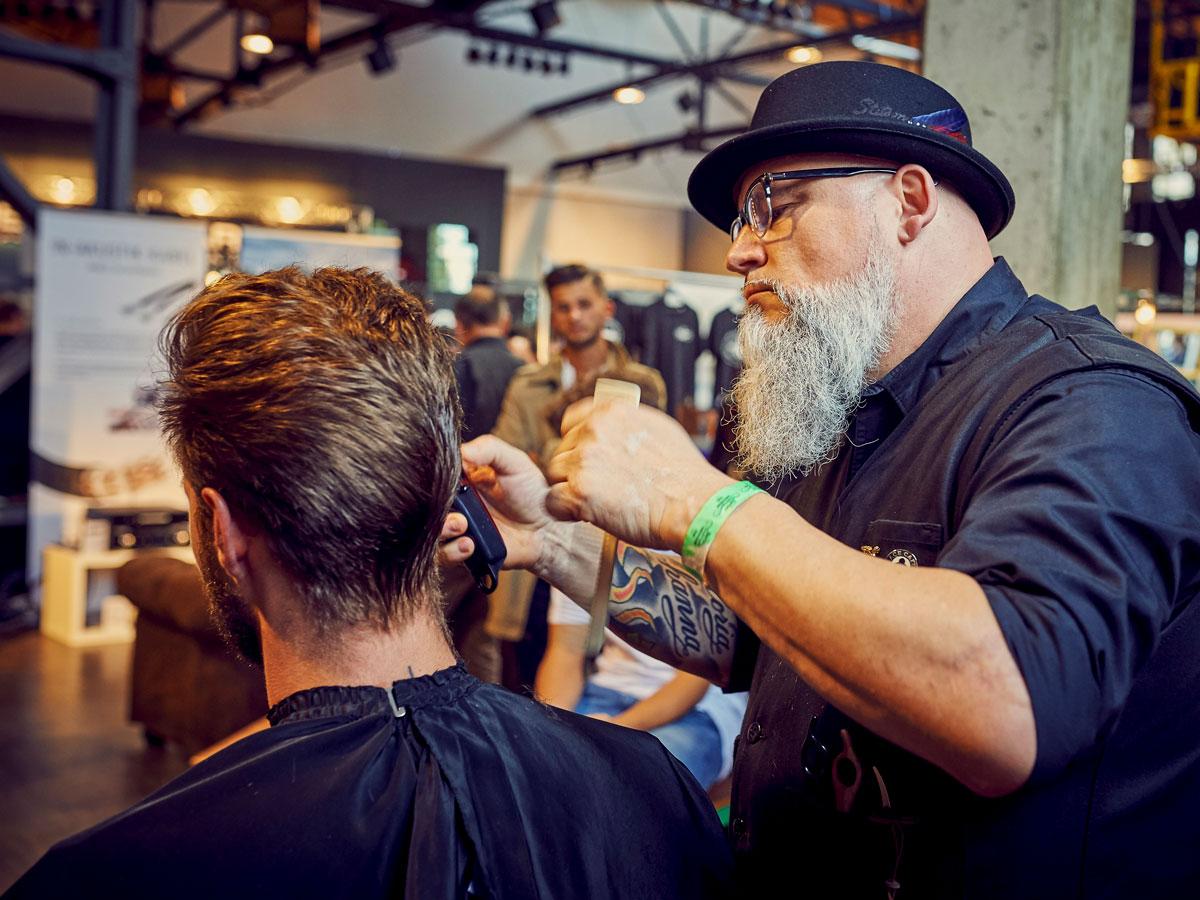 pict_event_rock-n-razor_barber_convention_2017_064