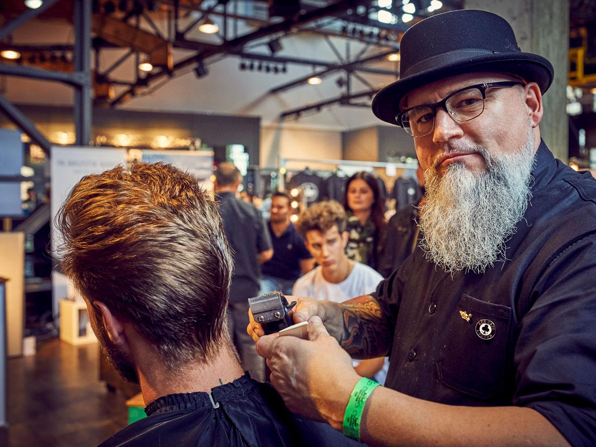 pict_event_rock-n-razor_barber_convention_2017_065