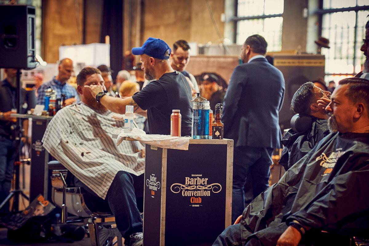 pict_event_rock-n-razor_barber_convention_2017_115