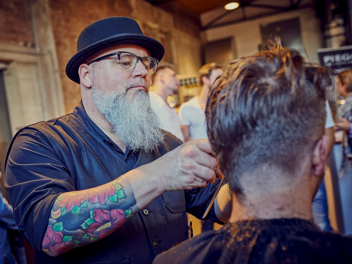pict_event_rock-n-razor_barber_convention_2017_123